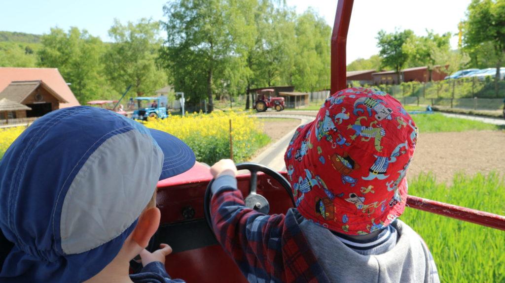 Traktorfahren im Doppel