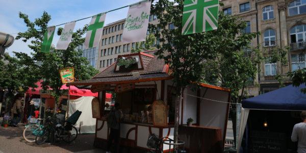 Tolle Stände auf dem Grüne-Soße-Markt
