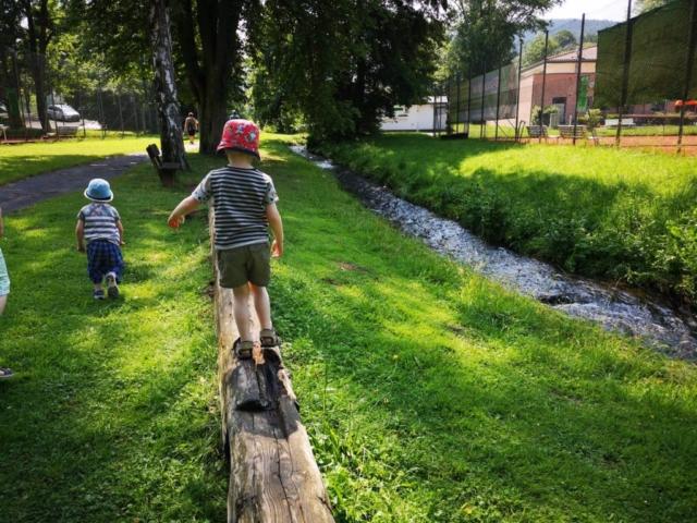 Der Barfußpark mit Kind ins Bad Orb
