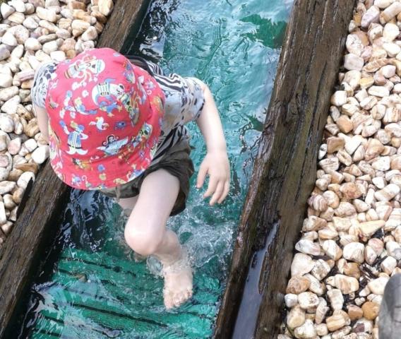 Kneipp-Anlage im Kurpark in Bad Orb, die Kids haben Spaß!