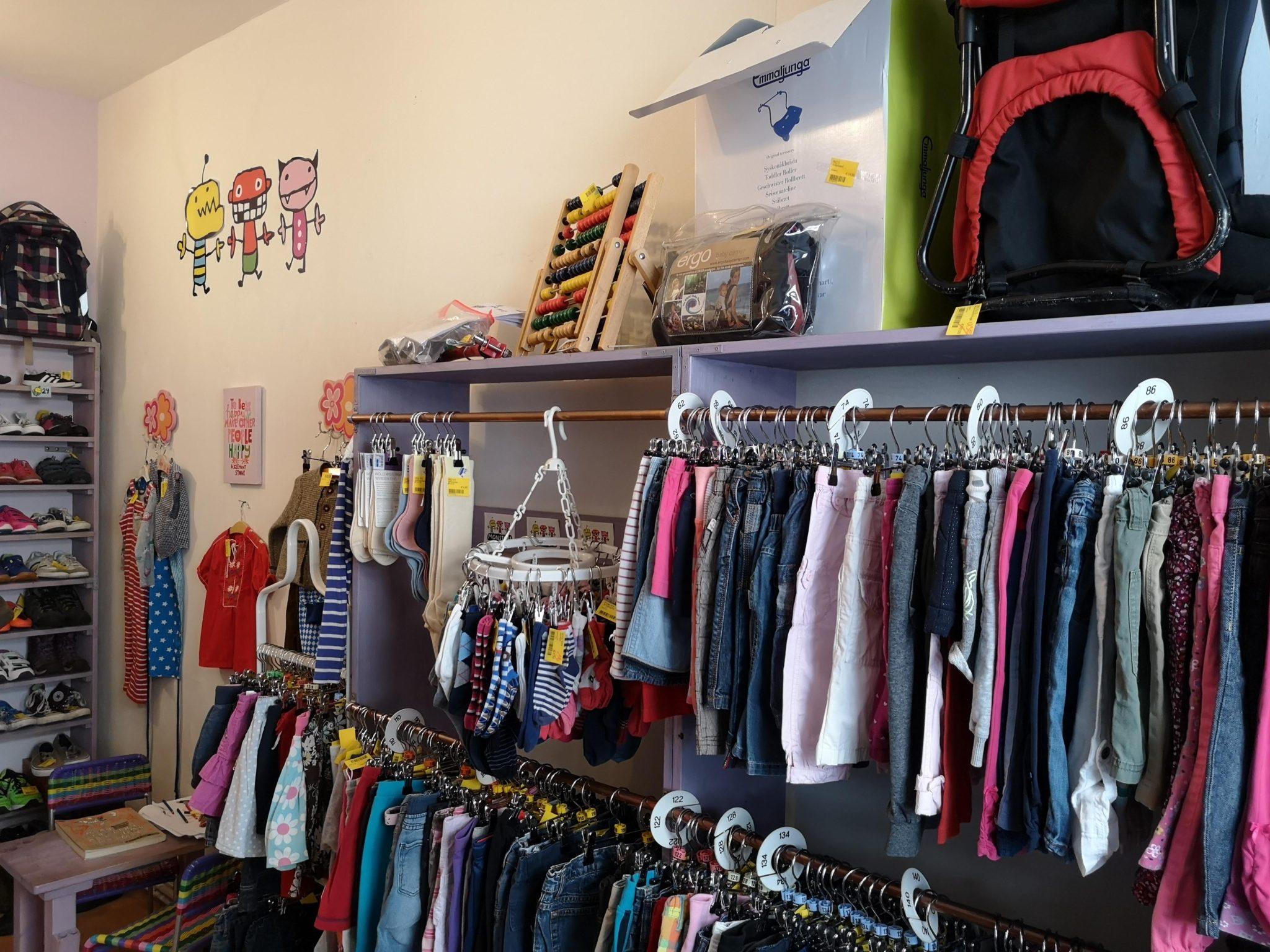 Schöne Auswahl im Monsters Seconhandladen für Kinder
