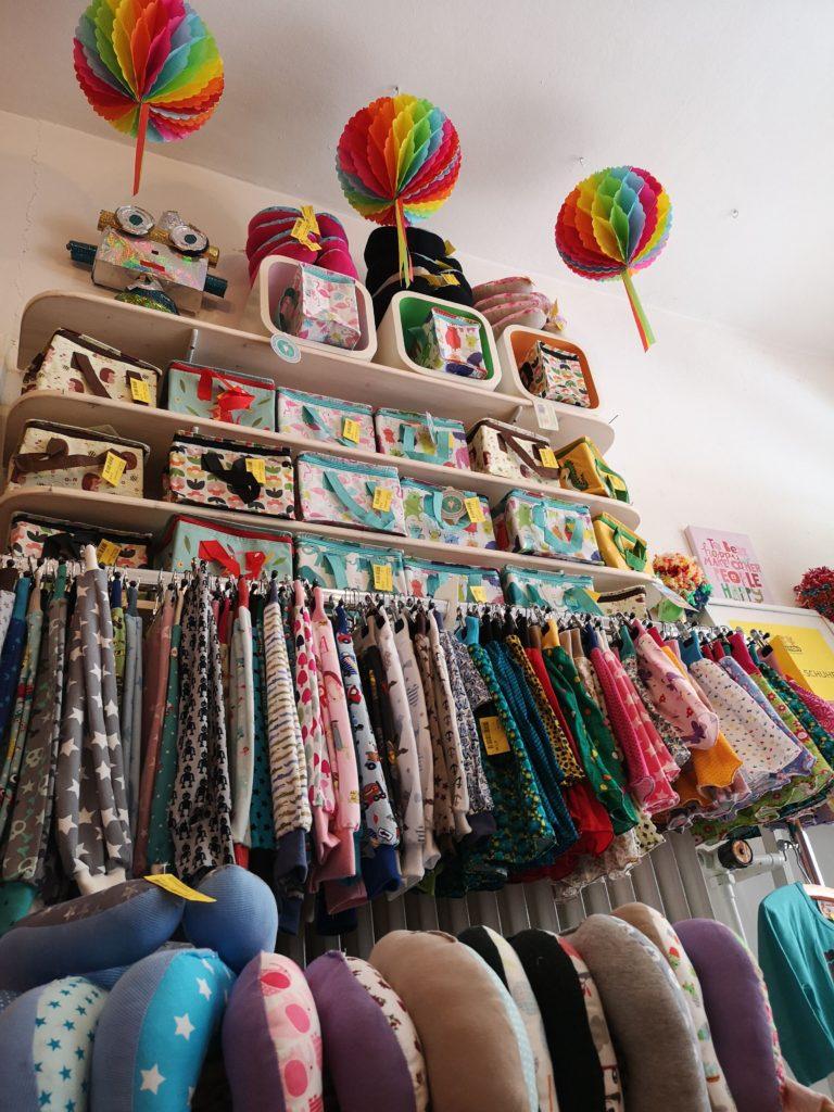 Alt trifft neu im Monsters Seconhandladen für Kinder - Frankfurt mit Kids