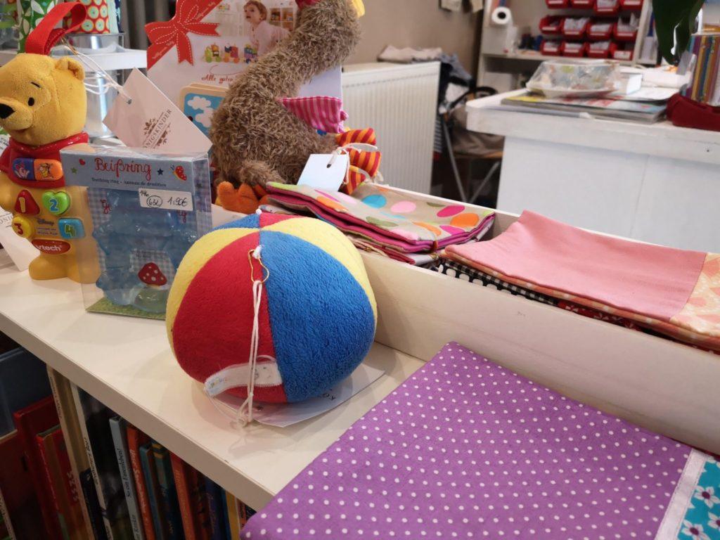 Auch für die Kleinsten finden sich viele Spielzeuge im Königskinder Kindersecondhandladen in Neu-Isenburg