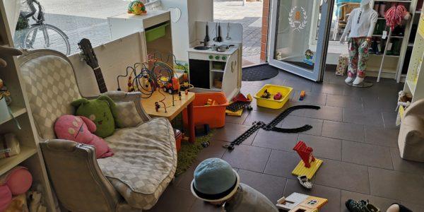 Während des Shoppens können die Kids in der Spielecke im Königskinder spielen