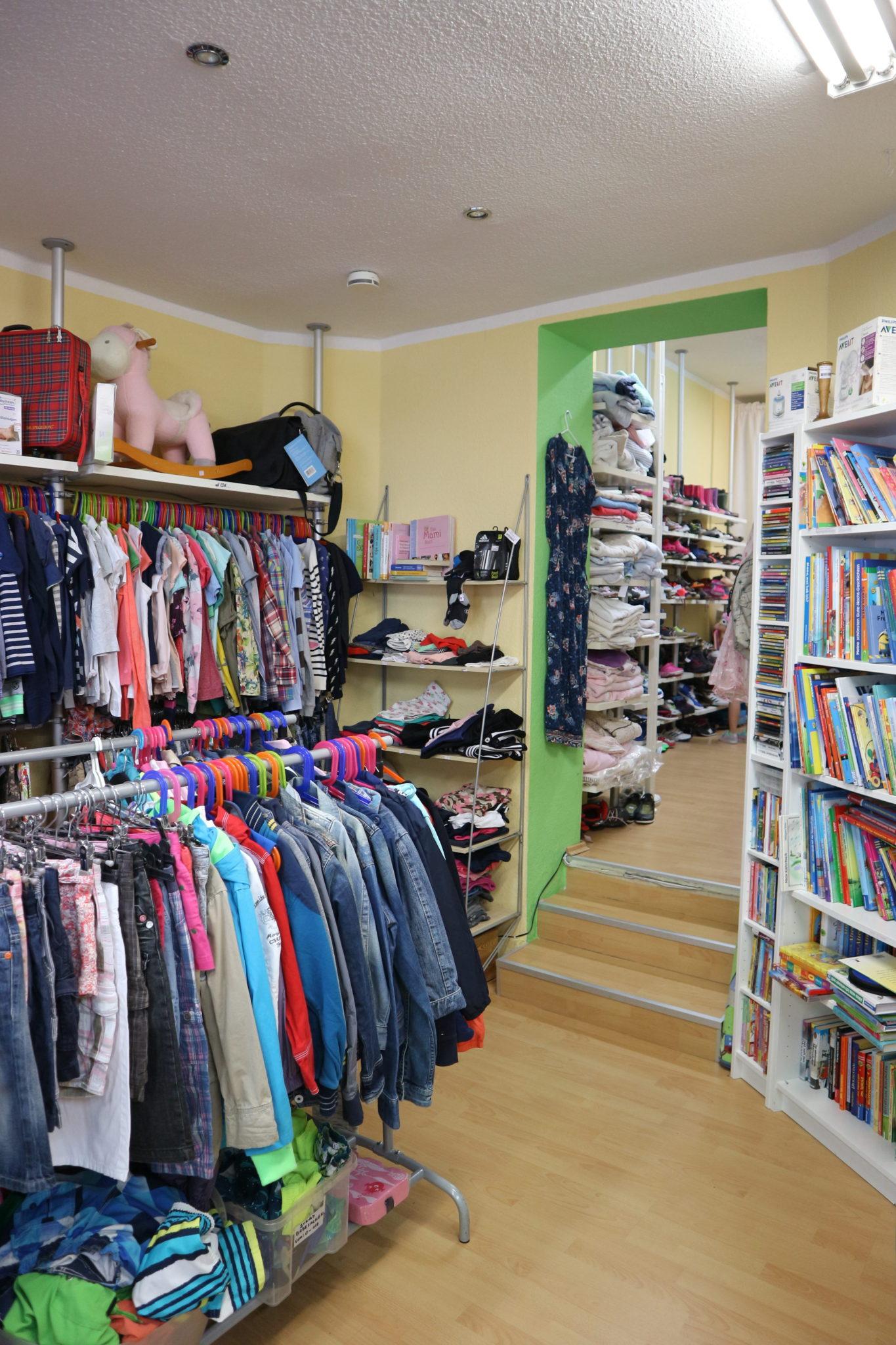 Tolle Auswahl: von Klamotten über Schuhe, Spiele, CDs und Bücher