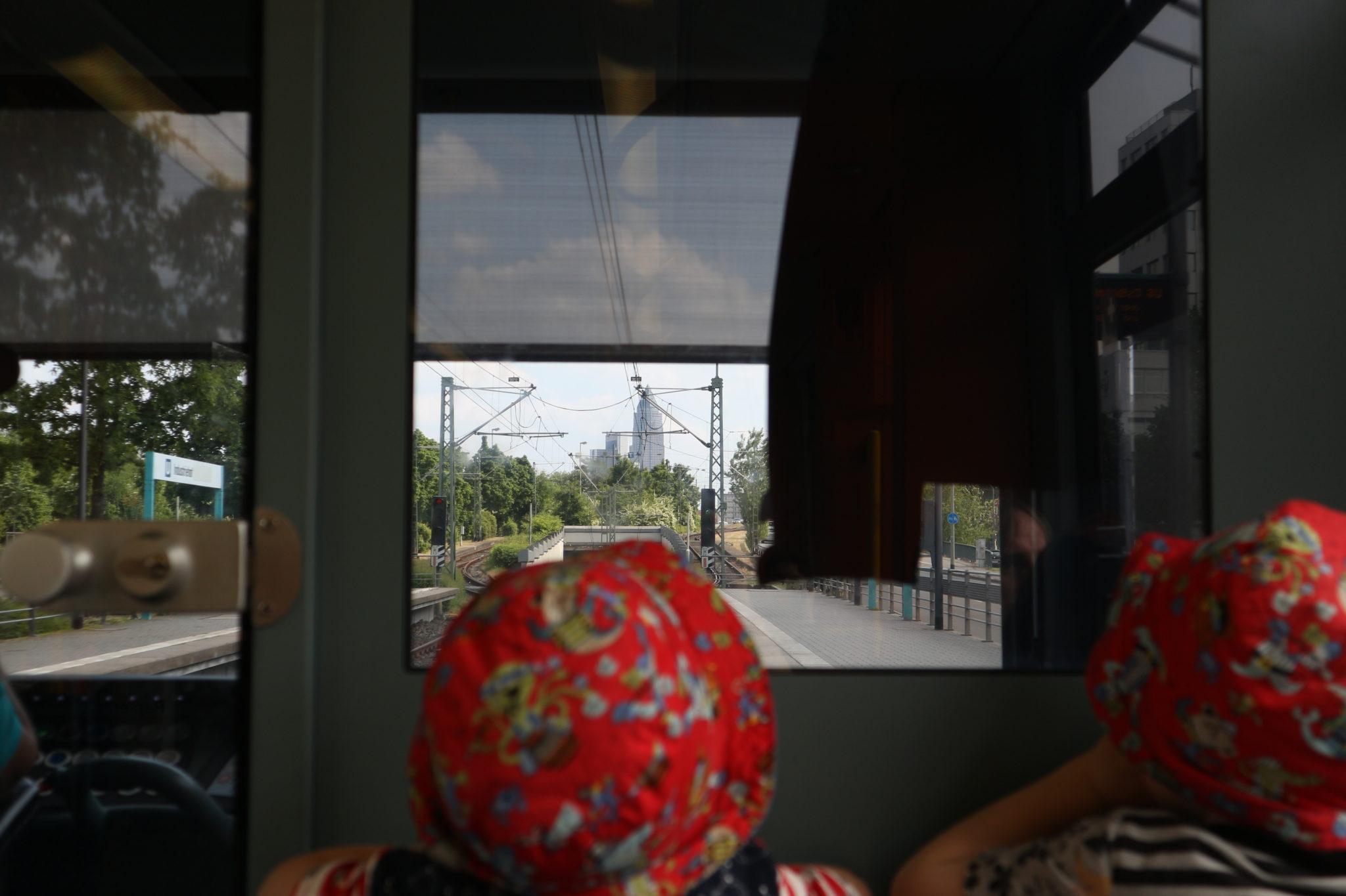 Mit der Bahn nach Bornheim zu Marie Feines Eis