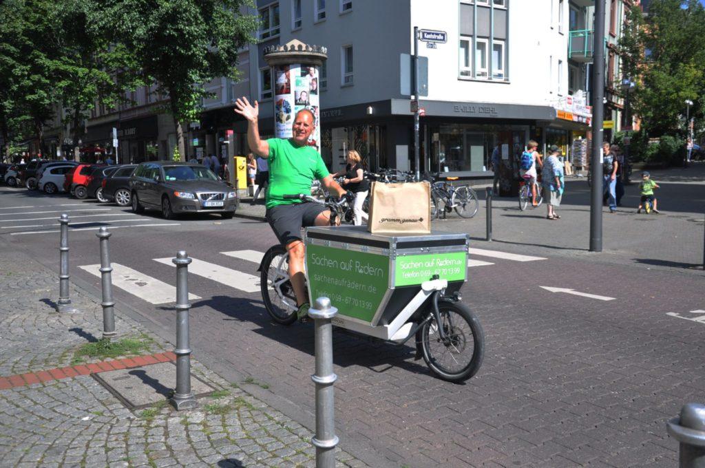 Auslieferung deiner Produkte in Frankfurt mit dem Lastenrad für eine gute Umweltbilanz