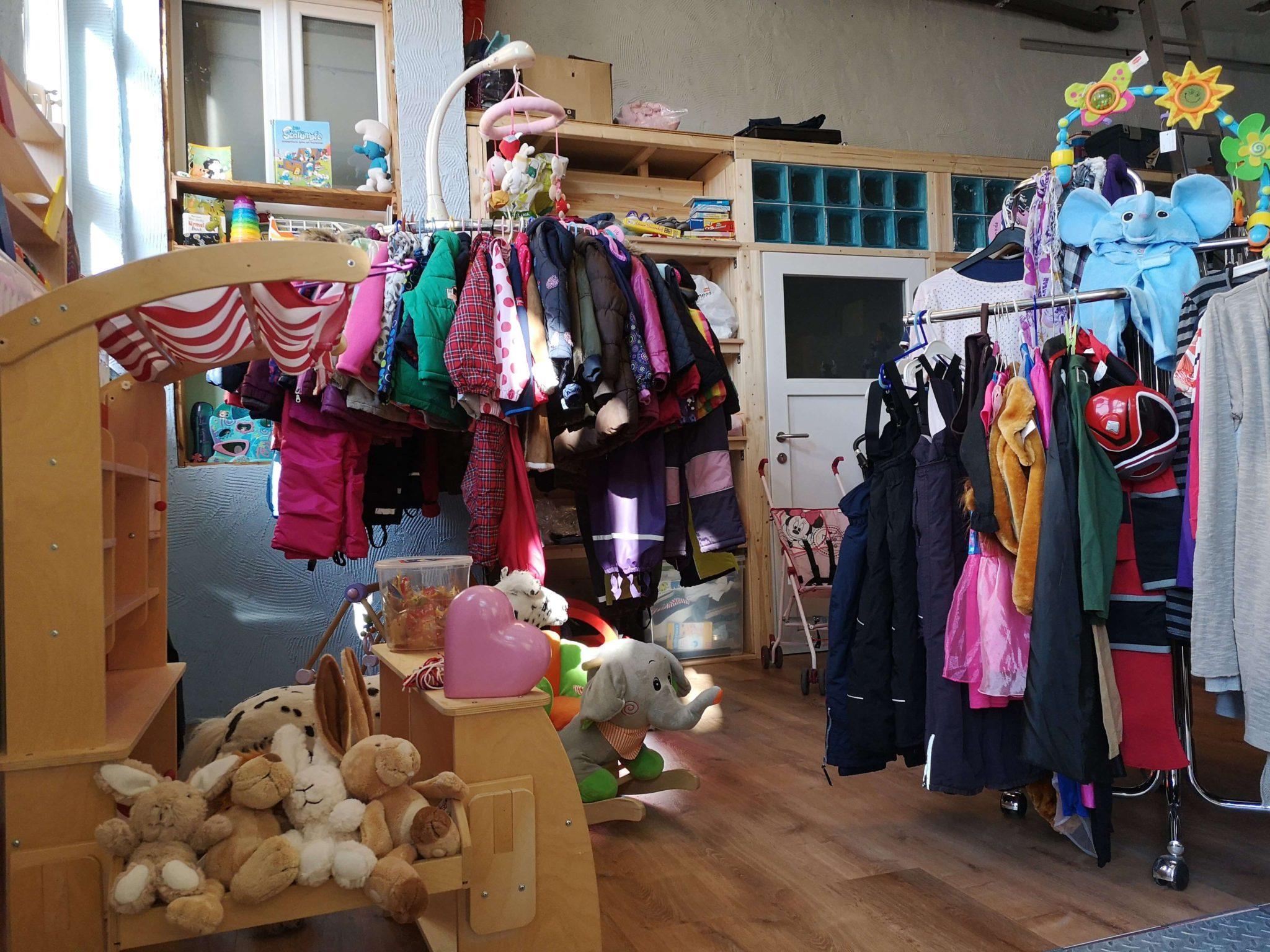 Spielzeug und Klamotten in der Krötenkiste - Frankfurt mit Kids