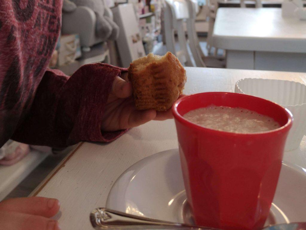 Baby-Cappuccino im Laden-Café Sonnenschein in Kelkheim