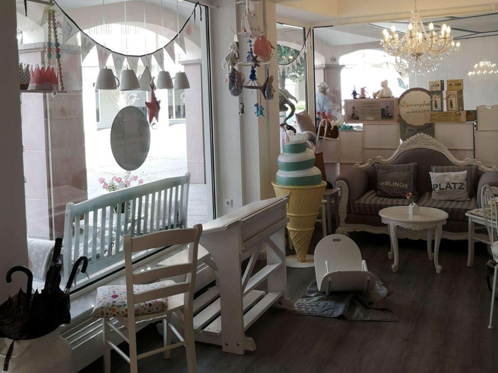 Du wirst hier nicht mehr rauswollen aus dem Laden-Café Sonnenschein in Kelkheim