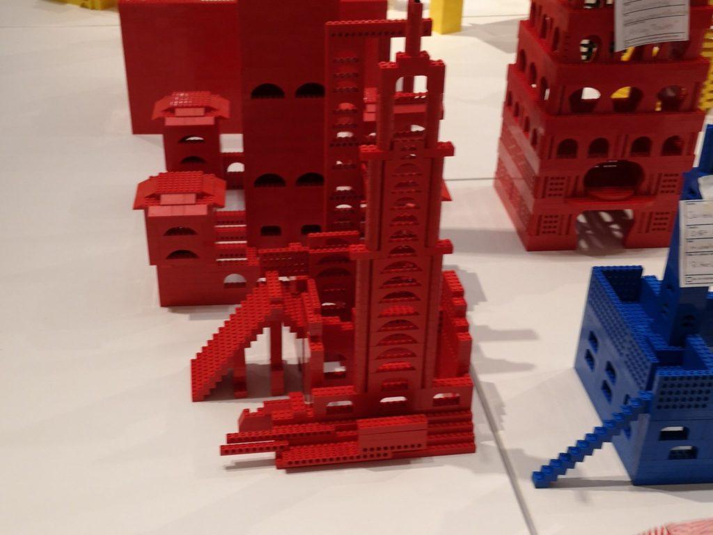 Unser Roter Bär Tower im Deutschen Architekturmuseum