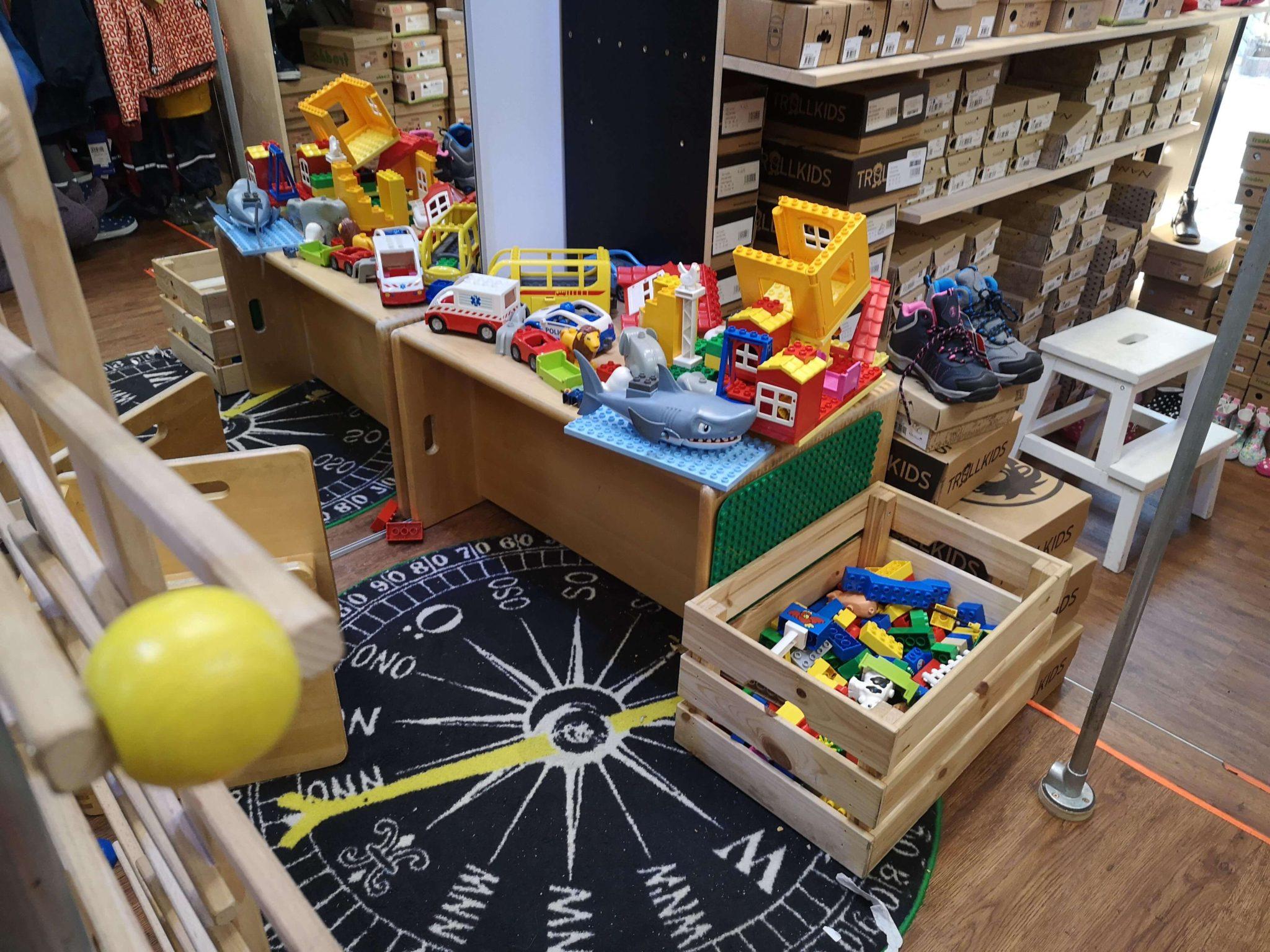 Die kleine Spielecke im Sonnylemon - Frankfurt mit Kids