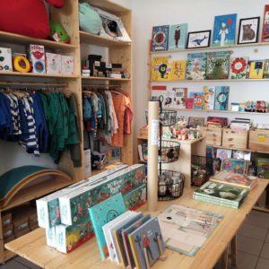 Kleidung, Klamotten, Bücher, Spielzeuge und Accesoires in der Konfettiwolke - Frankfurt mit Kids