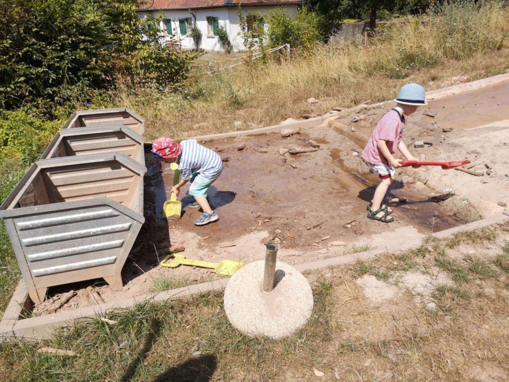 Die Experimentierstation Flussrampe war das Highlight für meine Kinder - Frankfurt mit Kids