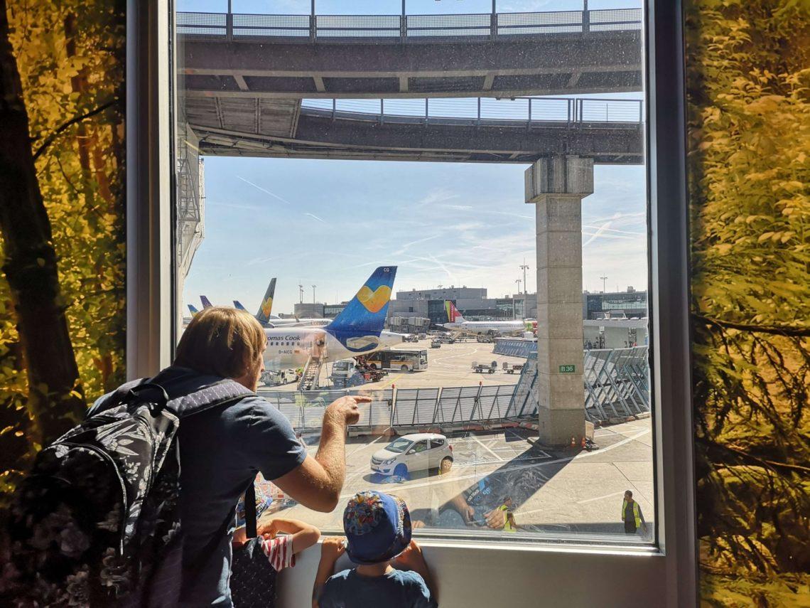 Es gibt jede Menge zu entdecken auf dem Frankfurter Flughafen - Frankfurt mit Kids