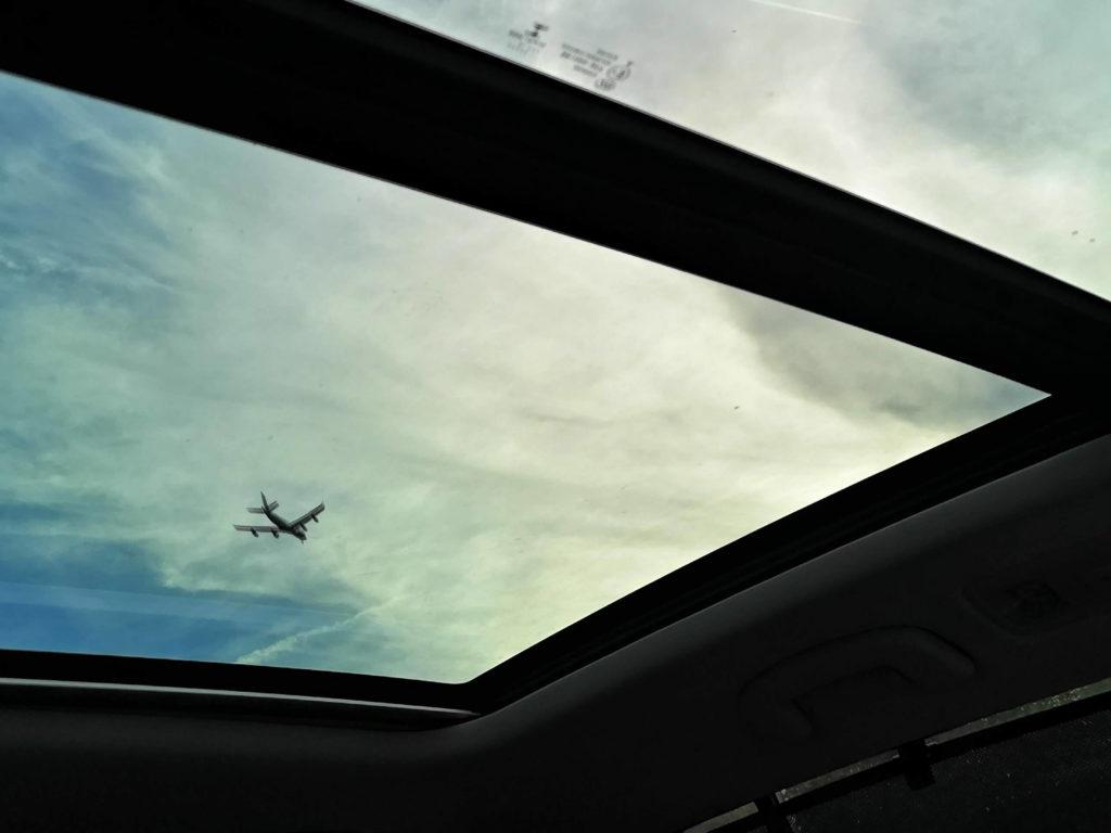 Flugzeug auf der A5 - Copyright Frankfurt mit Kids