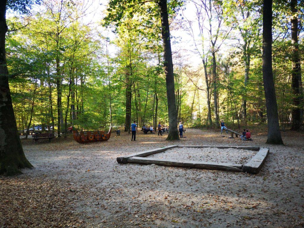 Wenig Klettergeräte, aber viel für Kleinkinder - Frankfurt mit Kids