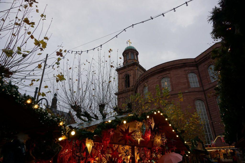 Frankfurter Weihnachtsmarkt auch bei schlechtem Wetter schön