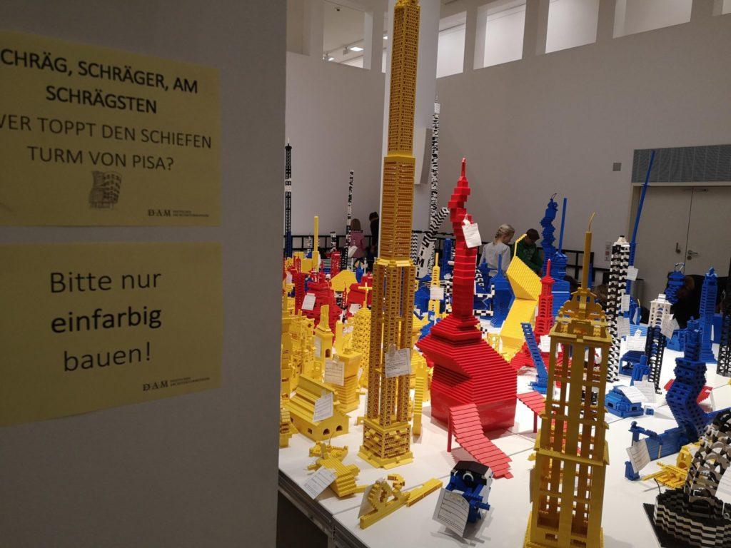 Die Lego-Baustelle im Deutschen Architekturmuseum Frankfurt