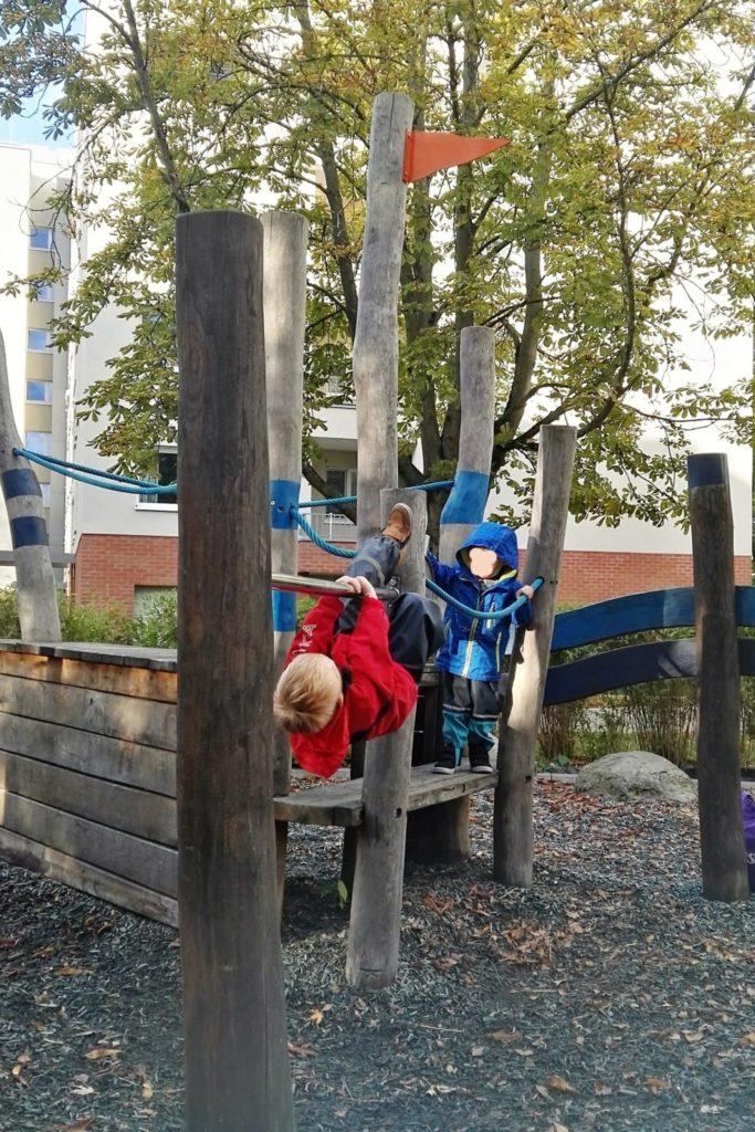 Ein tolles Holzschiff auf einem der vielen Heinrich-Lübke-Spielplätzen