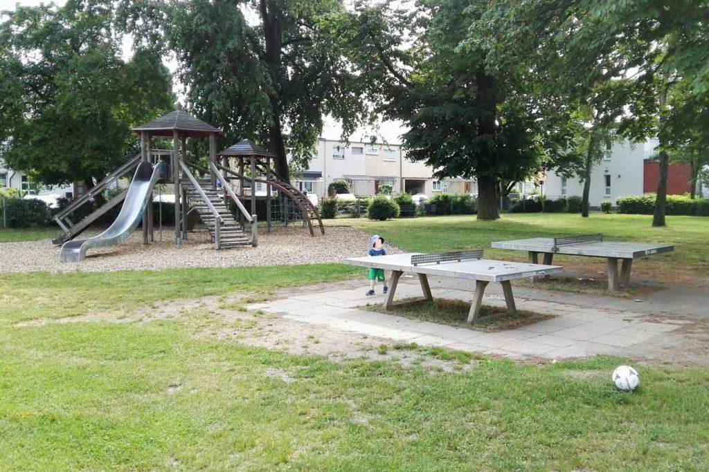 Spielplatz Camillo-Sitte-Weg in Frankfurt-Praunheim