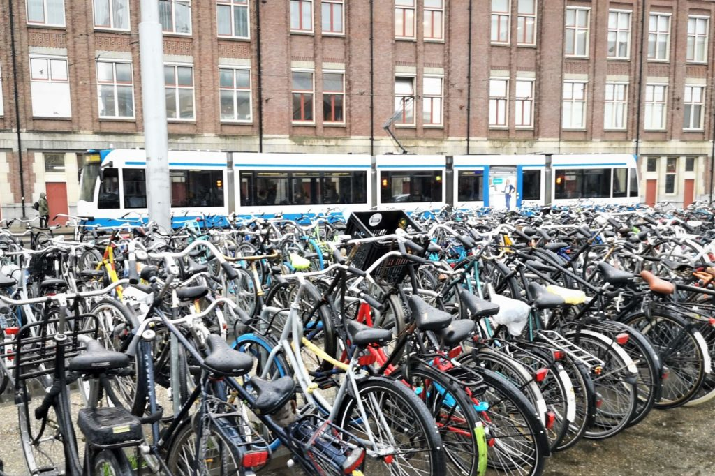 Fahrräder en masse in Amsterdam