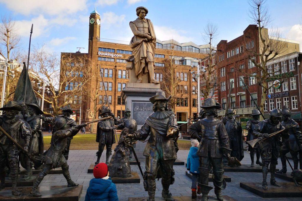 Die Kids haben Spaß am Rembrandtplein