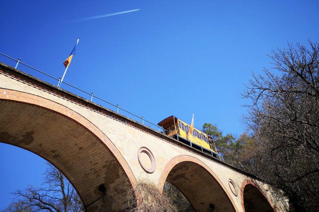 Mit der Nerobergbahn auf den Neroberg
