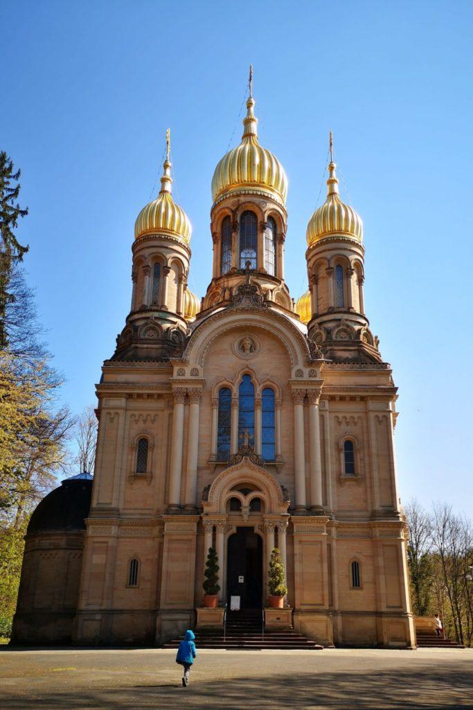 Die Russische Kirche ist von Außen und Innen sehenswert