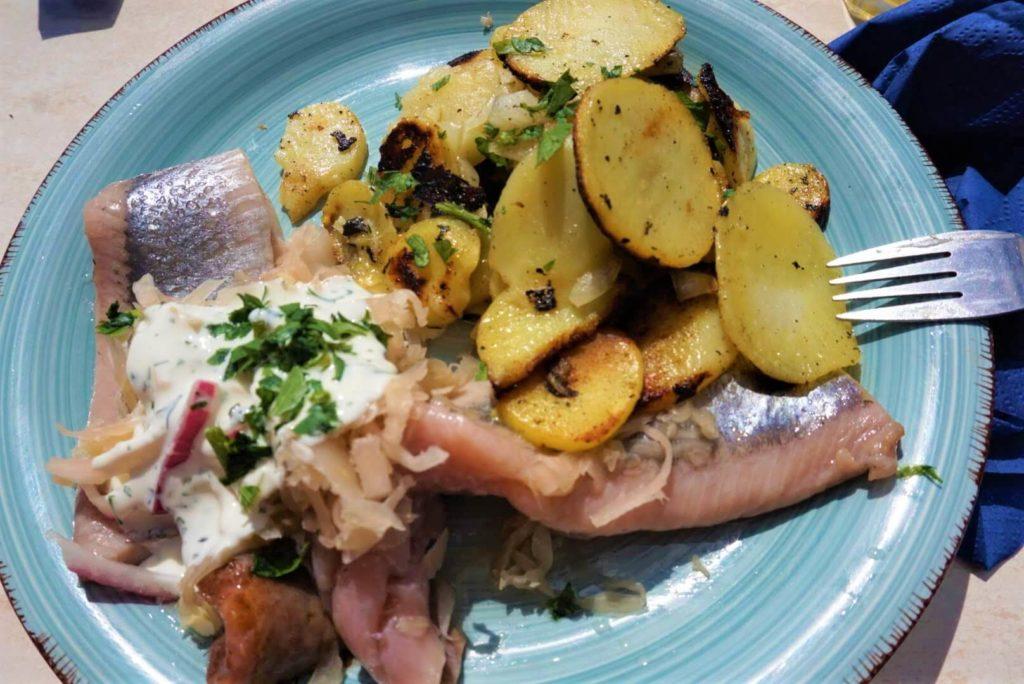 Mittagessen Bismarckheringe Resturant Fischhalle