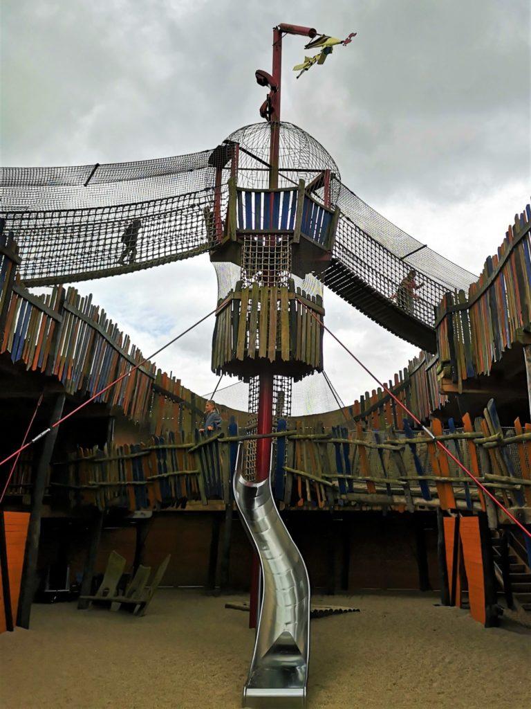 Spielplatz im Vogelpark Marlow perfektes Ausflugsziel an der Ostsee mit Kindern