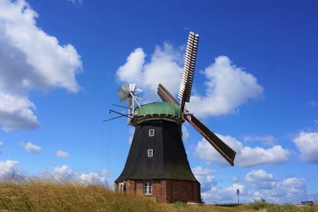 Ein Besuch in der Windmühle Stove gehört unbedingt zur Ostsee mit Kindern dazu