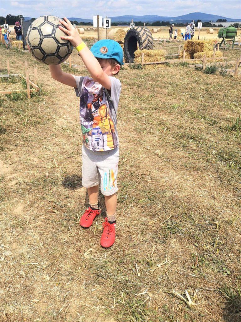 Fußball-Minigolf Maislabyrinth Liederbach