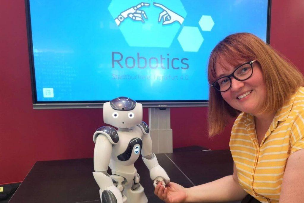 NAO Roboter in der Stadtbücherei Frankfurt