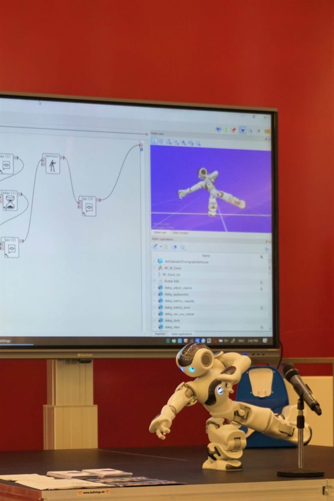 Roboter beim Tai Chi