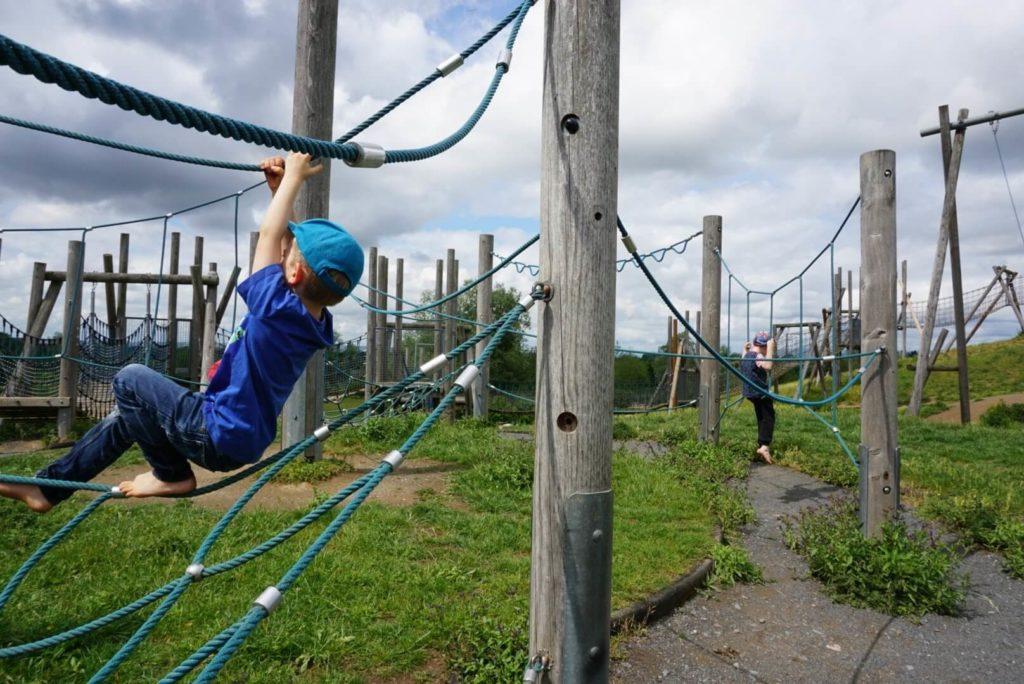 Klettern Wipptiere Abenteuerspielplatz Hochheim