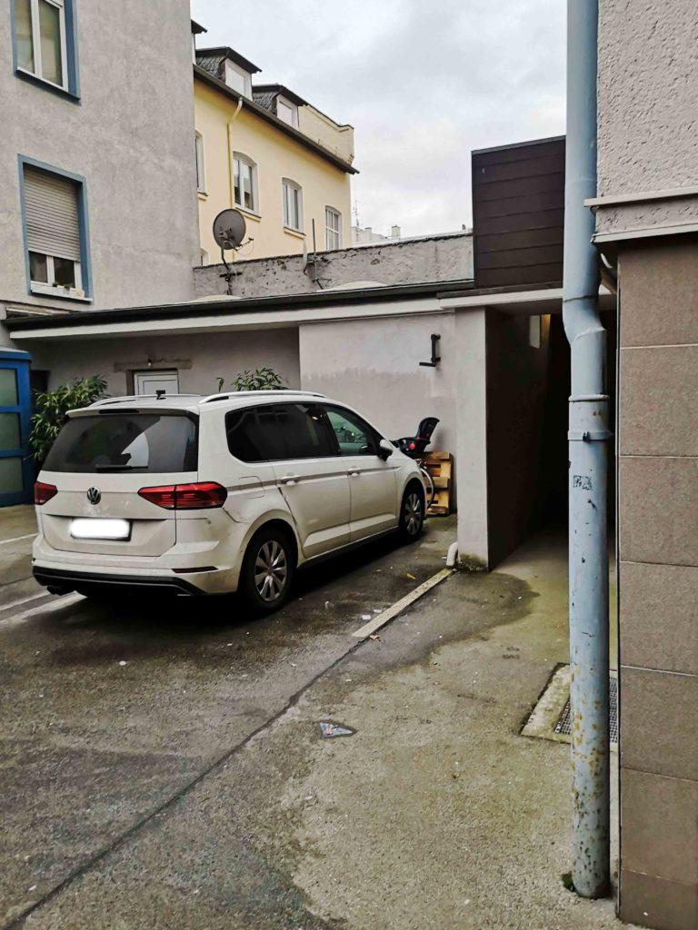 Parkplatz Hinterhof