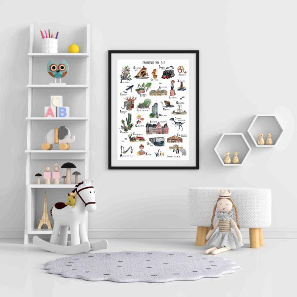 ABC Poster hängt im Kinderzimmer