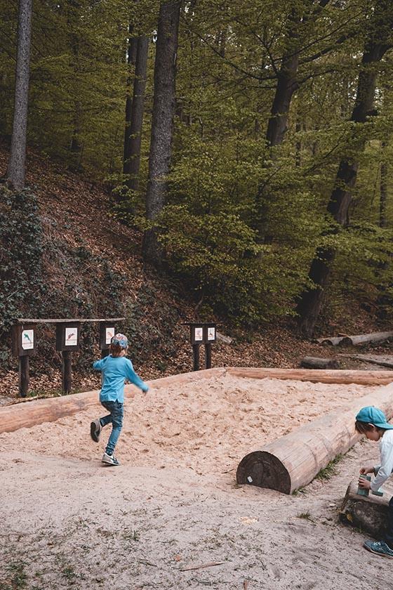 Weitsprung Büdingen Walderlebnispfad