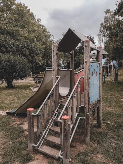 Kleinkinderspielturm