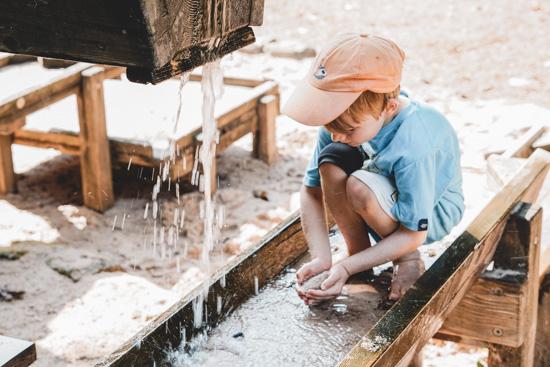 Wasserspielplatz im Natur-Erlebnis-Garten