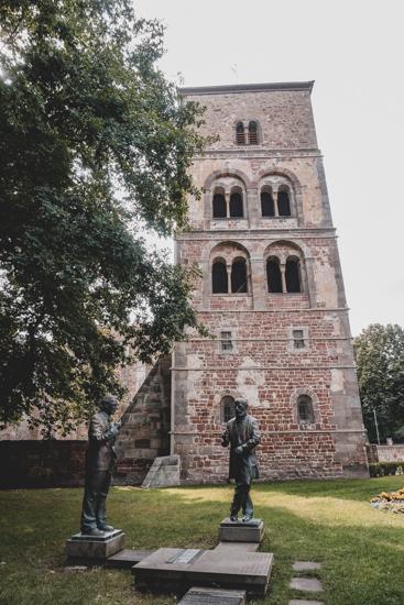 Bad Hersfeld Konrad Duden und Konrad Zuse Gedenkstatuen