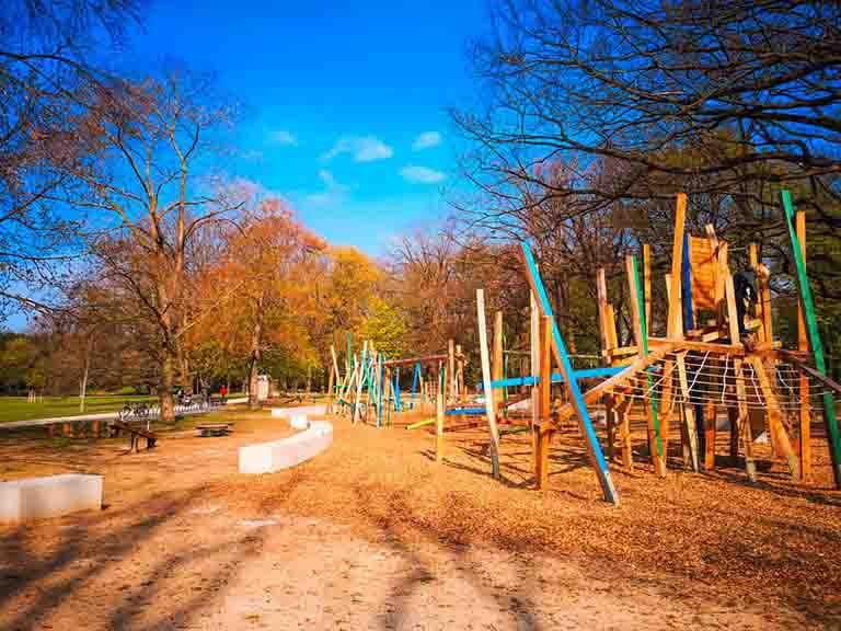 Spielplatz Ostpark Frankfurt mit Kids